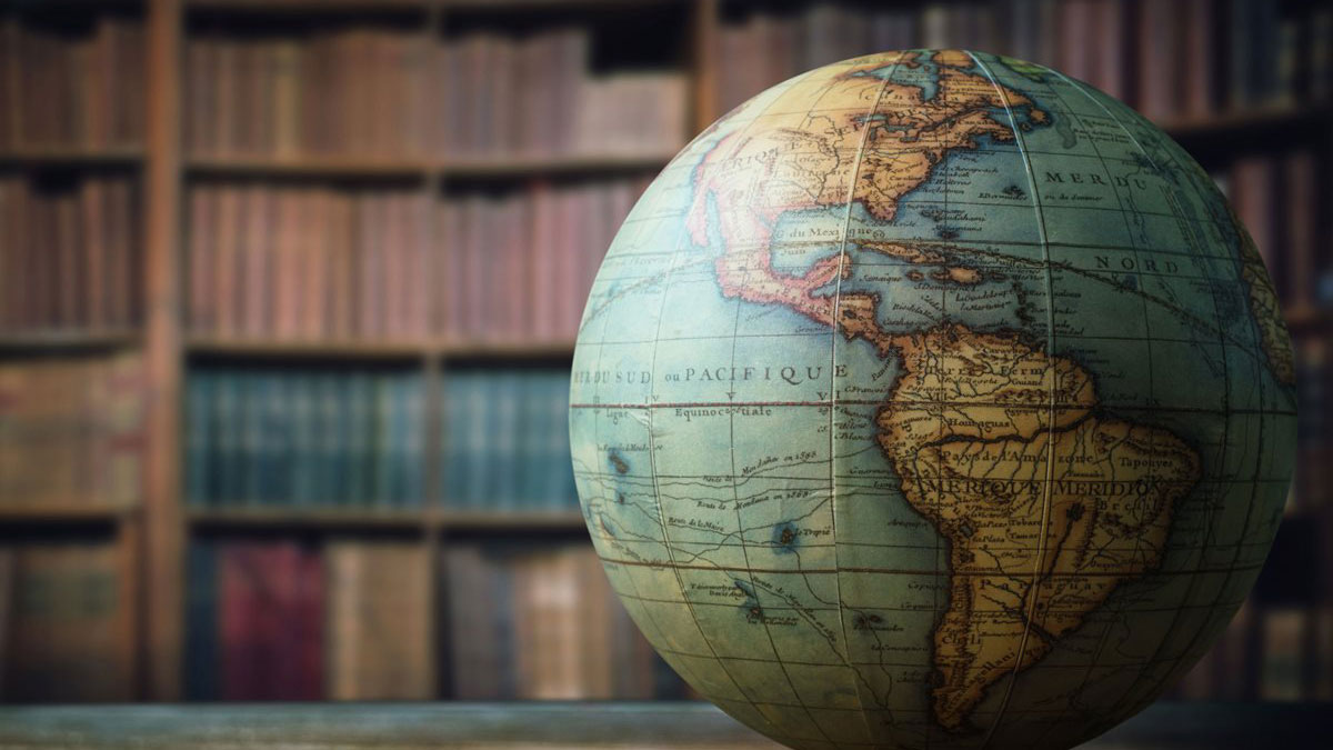 5 βιβλία με περίεργες ιστορίες από ταξιδιώτες