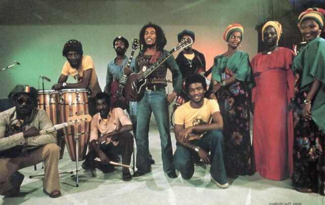 Bob Marley and the wailers<br /> Πηγή εικόνας : https://www.factmag.com/2014/06/18/check-out-the-real-situation-a-guide-to-the-original-studio-albums-of-bob-marley-and-the-wailers/