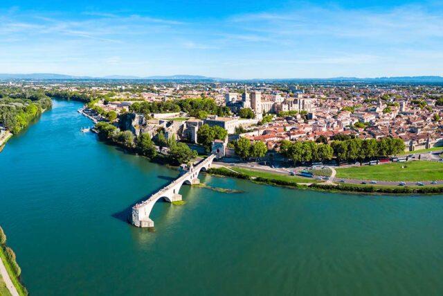 Η όμορφη πόλη του Γαλλικού Νότου Αβινιόν