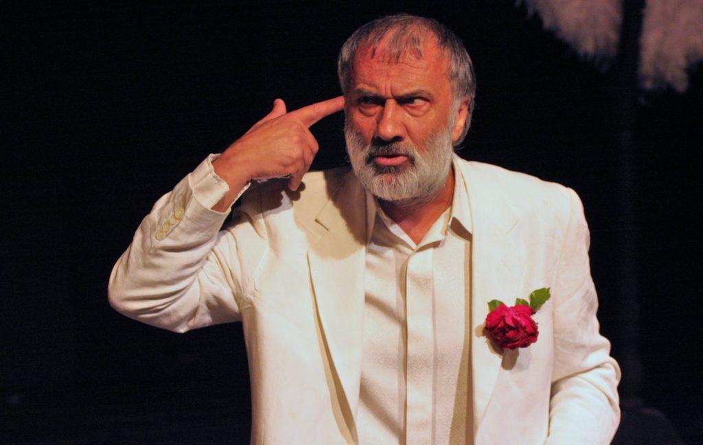 «Το Όνειρο ενός Γελοίου»: Ένας Ντοστογιεφσκικός αντί-ήρωας επί σκηνής σε σκηνοθεσία Τάκη Χρυσικάκου