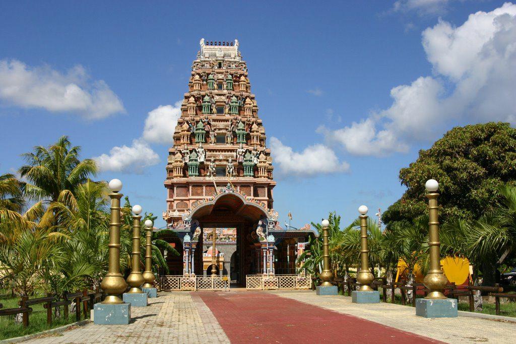 Ο ινδουιστικός ναός στο Πορτ Λούις στο Μαυρίκιο