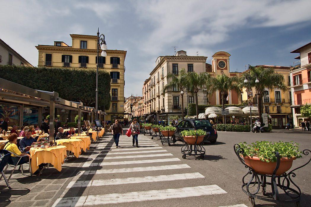 Piazza Tasso η κεντρική πλατεία του Σορέντο