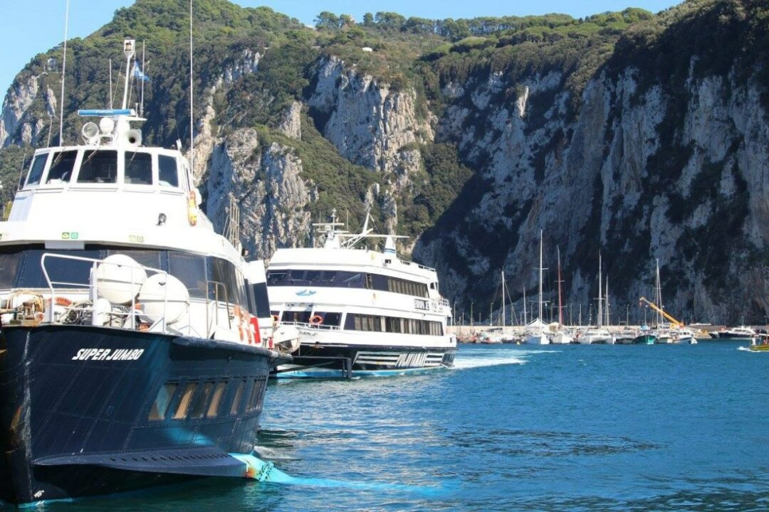 Νάπολη Σορέντο με καράβι