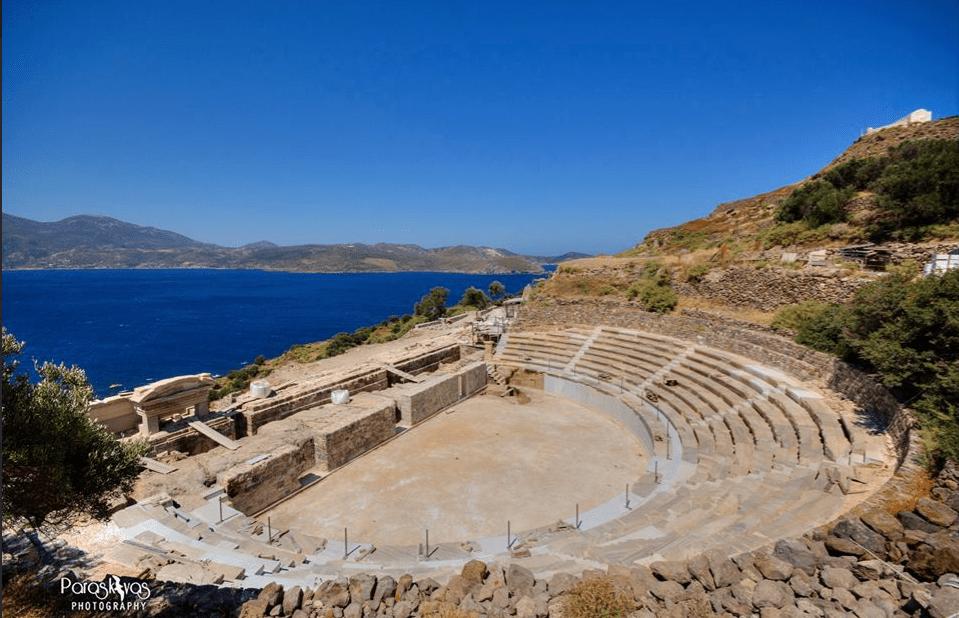 αρχαίο θέατρο Μήλου πηγή: dopios.gr